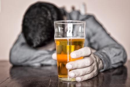 Resultado de imagen de alcohol sin copyright