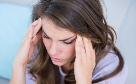 Estrenimiento produce dolor de cabeza