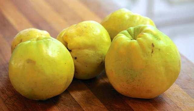 para que sirve el membrillo fruta